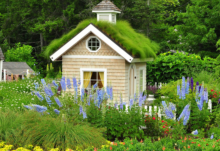 she-sheds-garden-man-caves-38-5707ad9ac3c36__700