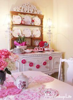 tavola san valentino rosa