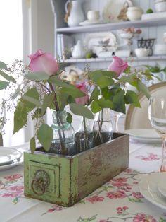 rose bottiglie centrotavola