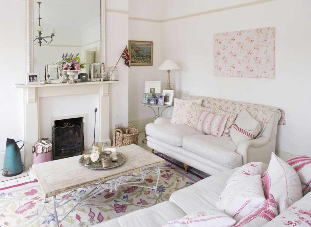 salotto bianco e rosa