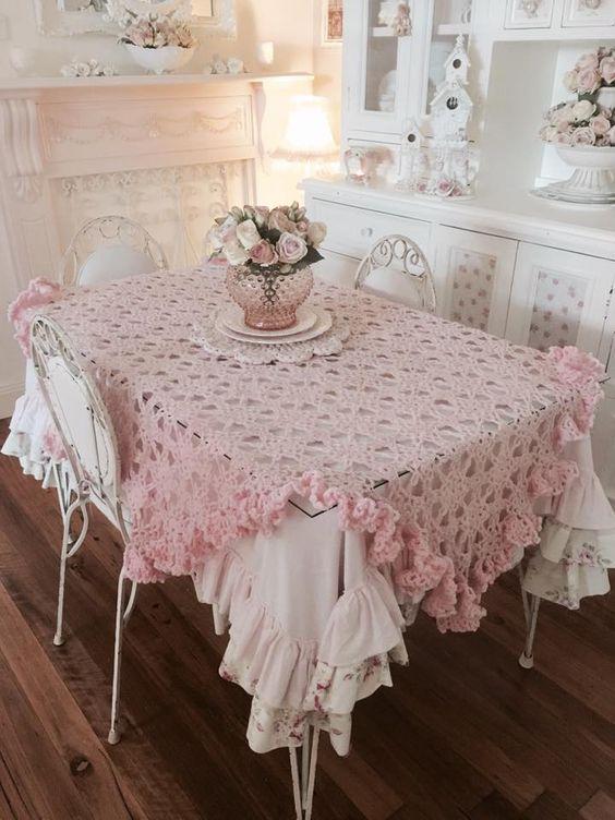 tovaglia rosa colazione