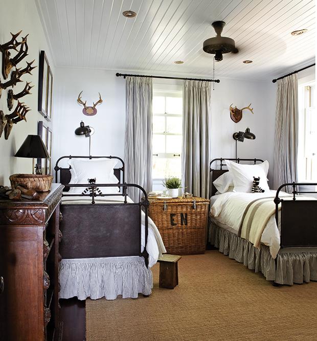 camera da letto comodino vimini