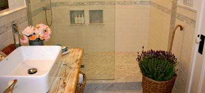 lavanda fiori secchi rami-bagno-casa-decorazione-con-