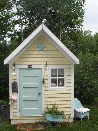 Casette Da Giardino Colorate.Casetta In Legno Per Il Giardino Shabby 10 Colorate Ispirazioni Fantastiche Arredamento Provenzale